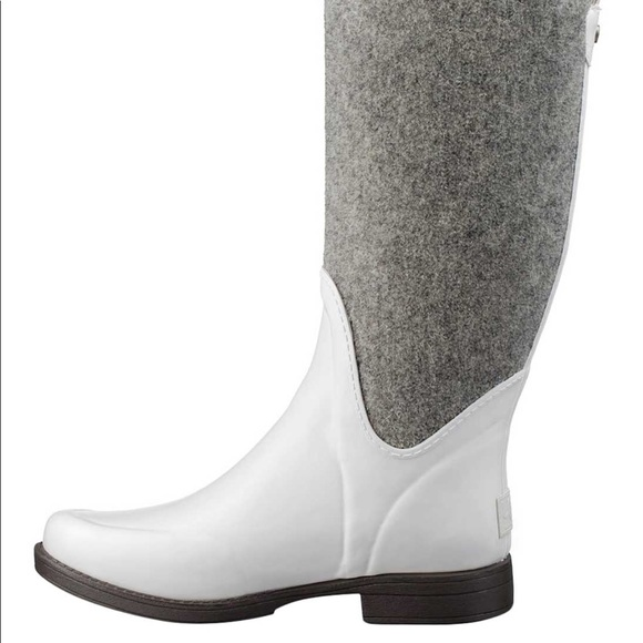 dfa39466adc 💥Ugg 💥reignfall water boots 👢 💕🌺💕🌺